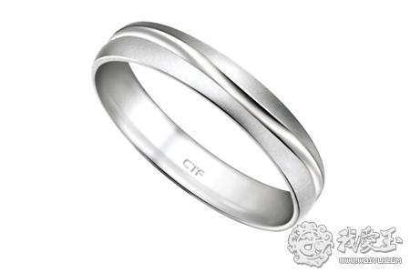 由于铂金在颜色上和白银,白色k金很相似,新人们都不知道如何去识别,也