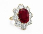 伊丽莎白泰勒的美丽红宝石戒指