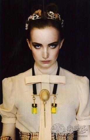 珠宝设计师黎昭,从毛毛虫获得的创意灵感