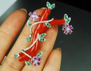 花朵吊坠配粉色珊瑚    甜美优雅可爱风尽显