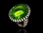 绿色碧玺宝石彰显男人风采