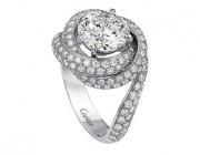 卡地亚新品继续演绎经典的三环戒指传奇