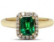 宝石级的绿色绿柱石