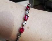 问答 | 这条红宝石手链怎么样?