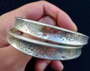 问答   这件银饰品是什么品牌的?