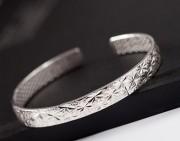 纯银饰品知识:银试毒的原理